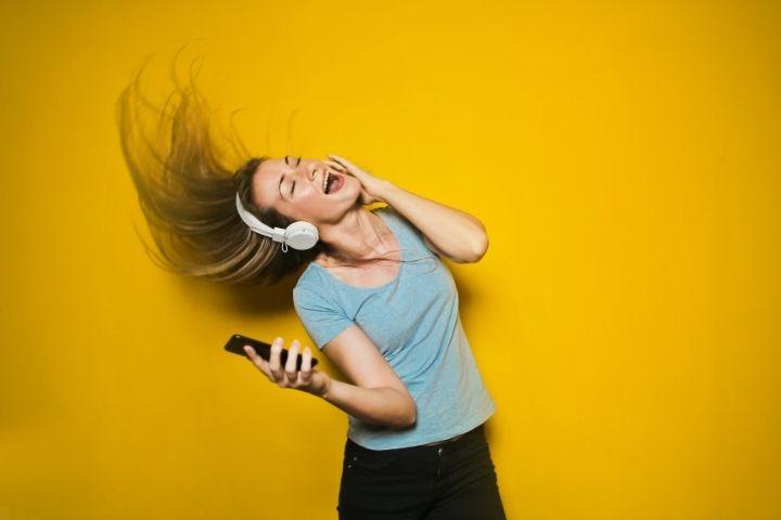 5 Best Noise-Canceling Headphones