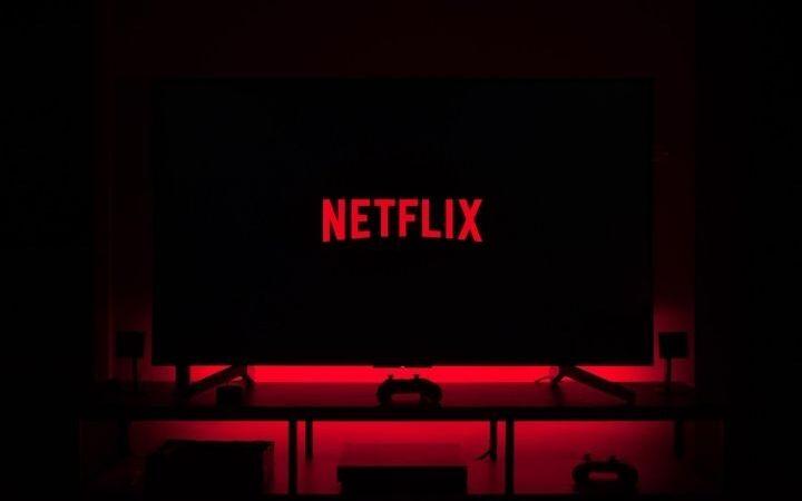 How To Download Netflix Movies To Watch Offline?