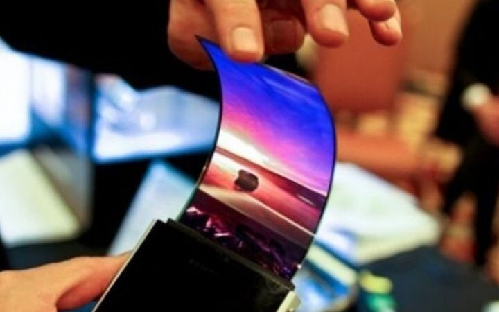 How Do Flexible Screens Work?