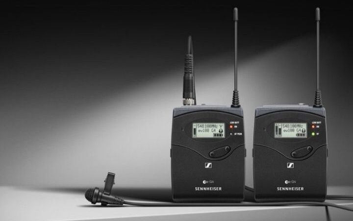 How Does A Wireless Microphone Work?