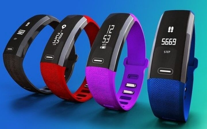 Buying A Wearable Fitness Tracker You Must Need To Know These Things