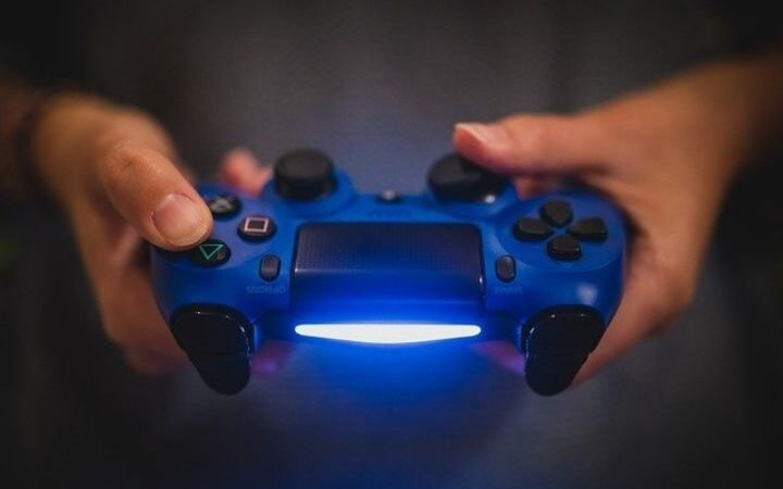 What Are The Best PS4 Controllers?